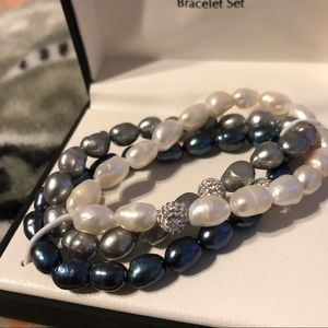 Jewelry - NWT Genuine Cultured Pearls Bracelet Set
